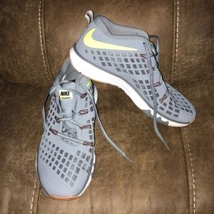 Nike Flex Speed Training Mid Sneaker
